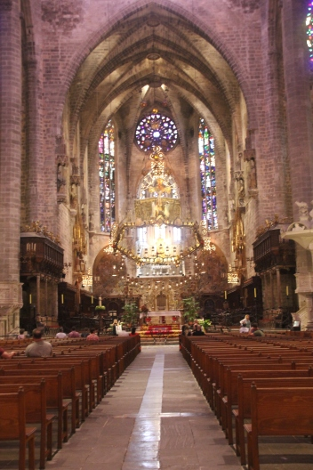 6 The altar of Cathedral de Mallorca was renovated in 1904 by Antoni Gaudi after an earthquake damage it in 1851